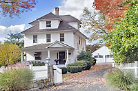 Picture Perfect Farmhouse Colonial
