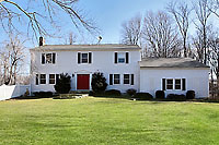 Desirable Weston Colonial on Cul-de-Sac